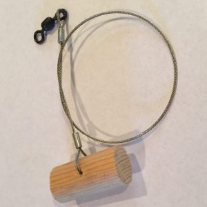 "Wooden Peg with 18"" Stainless Cable Leader and Swivel"